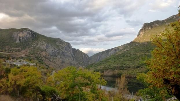 Ruta del valle del Sil (Parque Natural de Enciña da Lastra)