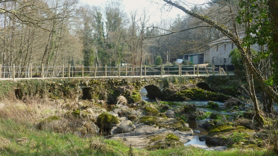 Puente sobre el río Parga
